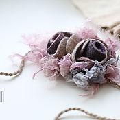 Украшения ручной работы. Ярмарка Мастеров - ручная работа Валяное украшение на руку «Нежный шелк». Handmade.