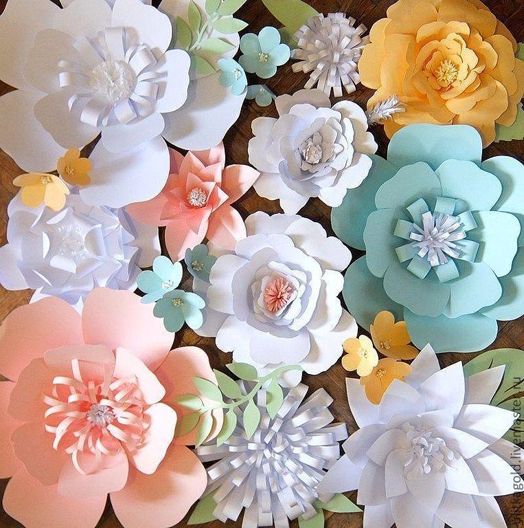 Настенные цветы из бумаги своими руками