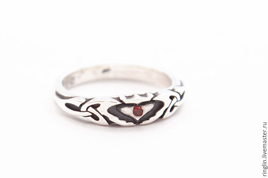 Claddagh ring with small garnet, Rings, Moscow,  Фото №1