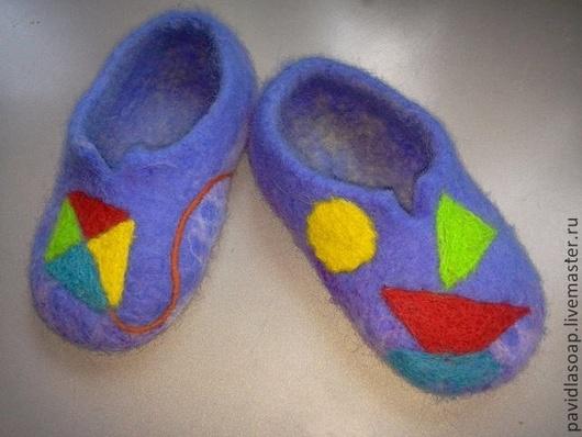 Детская обувь ручной работы. Ярмарка Мастеров - ручная работа. Купить Валяные тапки Для мальчика. Handmade. Синий, тапки