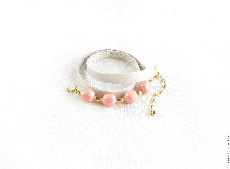 Irina Moro.   Irene Moreau. Stylish bracelet winding `snow rose` leather and Swarovski pearls. Fashion white bracelet winding. Pearl bracelet. Pearl bracelet gold plated. Cream leather bracelet.