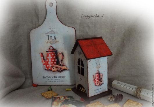 Винтажный чайный домик, деликатно состарен, замечательно смотрится художественный набрызг. Пакетикам чая будет уютно в таком  милом домике. Ваши  гости не оставят такую красивую вещь без внимания.