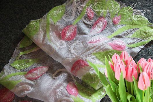 """Шарфы и шарфики ручной работы. Ярмарка Мастеров - ручная работа. Купить Шарф валяный """"Нежность весны. Тюльпаны"""". Handmade."""