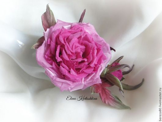 """Броши ручной работы. Ярмарка Мастеров - ручная работа. Купить Шелковый цветок""""Джилиан"""" Цветы из ткани.Цветы из шелка.. Handmade. Фуксия"""
