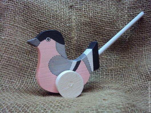Птичка-каталка, деревянная игрушка ручной работы, декорированная.