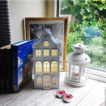 Для дома и интерьера ручной работы. Ярмарка Мастеров - ручная работа Сен-Галлен. Светильник-домик нежно-серого цвета с голубой крышей. Handmade.