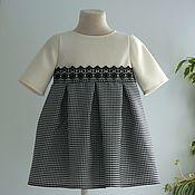 Платье с кружевом черно-белое