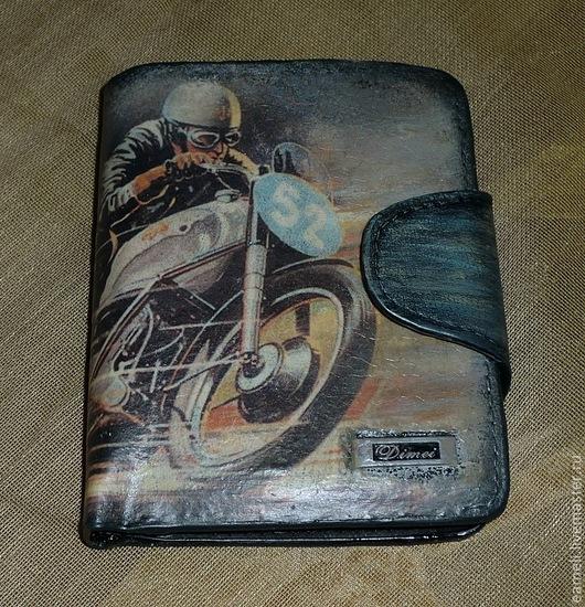 Бумажник со множеством отделений , размер 10х12 в сложенном виде. Компактный , но очень вместительный. Цена 1500 руб=ПРОДАН, сделаю на заказ