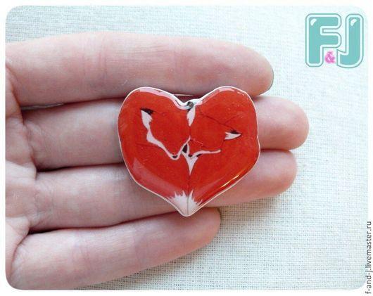 """Броши ручной работы. Ярмарка Мастеров - ручная работа. Купить Брошь """"Лисья любовь"""". Handmade. Рыжий, лиса, Лисы, сердце"""