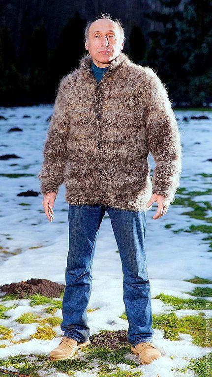 свитер  вязанный мужской «Пикассо»\r\nпряжа из пуха кавказской овчарки\r\nпряжа из пуха мраморной колли \r\nручное прядение \r\nручное вязание