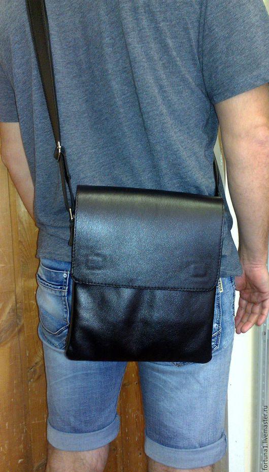 Мужские сумки ручной работы. Ярмарка Мастеров - ручная работа. Купить Сумка кожаная мужская 152. Handmade. Черный