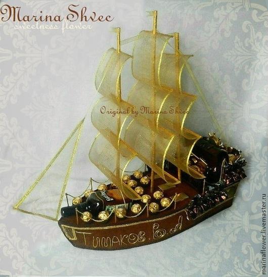 """Букеты ручной работы. Ярмарка Мастеров - ручная работа. Купить Корабль из конфет """"Именной"""". Handmade. Коричневый, корабль из конфет"""