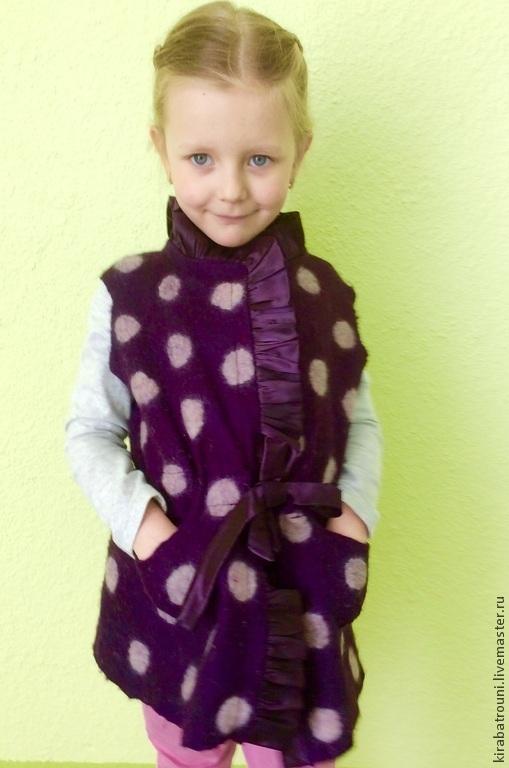 Одежда для девочек, ручной работы. Ярмарка Мастеров - ручная работа. Купить Жилет для девочки. Handmade. Тёмно-фиолетовый, в горошек
