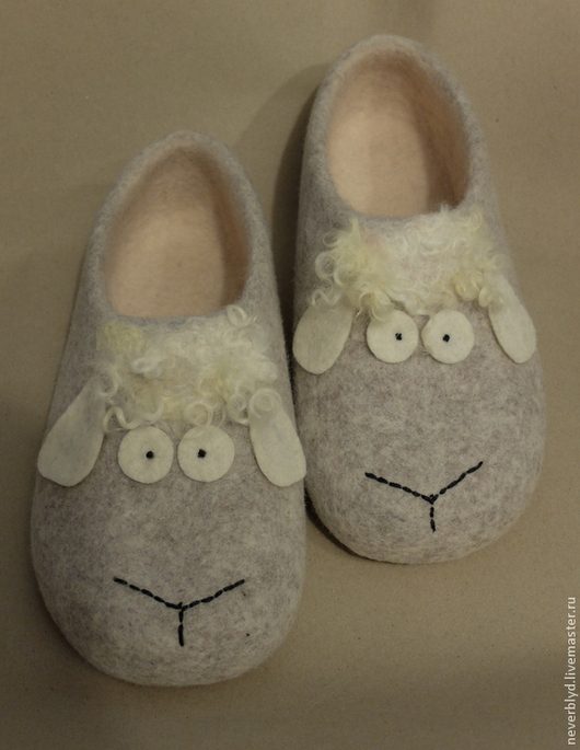 """Обувь ручной работы. Ярмарка Мастеров - ручная работа. Купить Тапки """"Раз овечка, два овечка..."""". Handmade. Серый"""