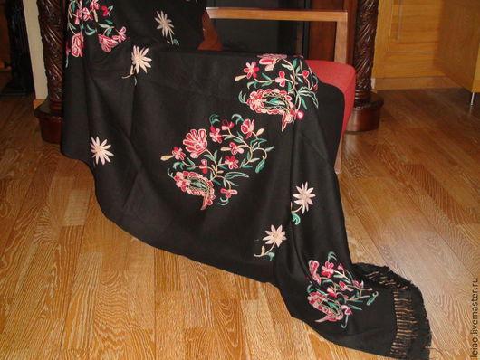 Винтажная одежда и аксессуары. Ярмарка Мастеров - ручная работа. Купить Винтажная шерстяная шаль с вышивкой. Америка 40-ые года. Handmade.