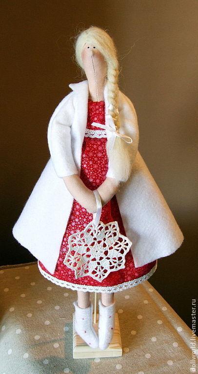 Куклы Тильды ручной работы. Ярмарка Мастеров - ручная работа. Купить Девочка Зима. Handmade. Ярко-красный, снежинка