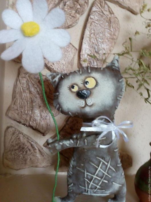 Куклы и игрушки ручной работы. Ярмарка Мастеров - ручная работа. Купить Спешу поздравить!!Кот. Handmade. Коричневый, подарок, грунтованный текстиль