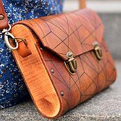 Сумки и аксессуары ручной работы. Ярмарка Мастеров - ручная работа Коричневая женская сумка из кожи и дерева Triangle деревянный клатч. Handmade.