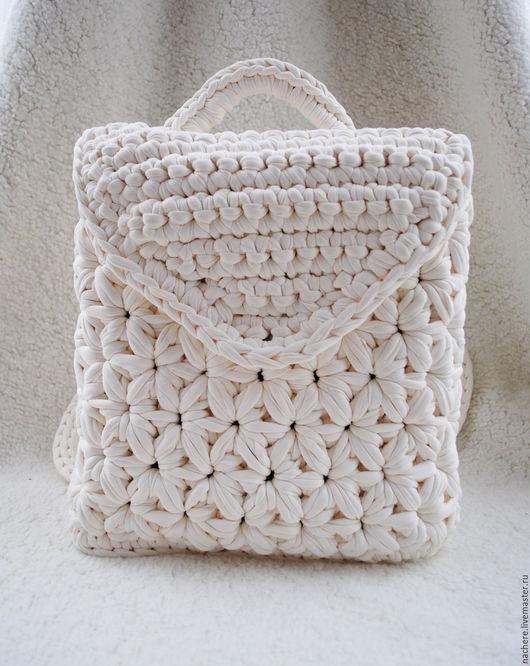 Рюкзаки ручной работы. Ярмарка Мастеров - ручная работа. Купить Вязаный рюкзак с цветочным узором. Handmade. Белый, цветочный узор