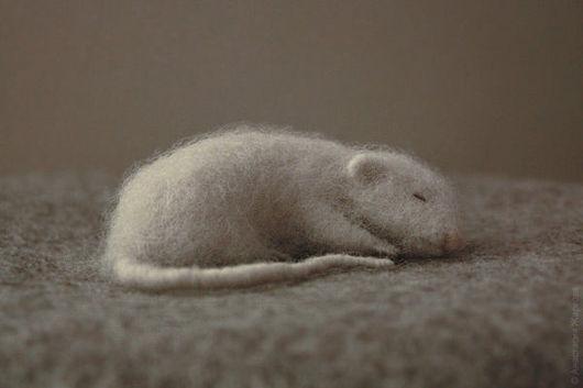 """Игрушки животные, ручной работы. Ярмарка Мастеров - ручная работа. Купить """"Спи моя радость"""".. Handmade. Белый, крыска, мышонок"""