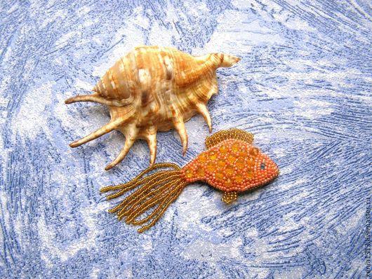 Броши ручной работы. Ярмарка Мастеров - ручная работа. Купить Брошь Золотая рыбка. Брошь из бисера. Handmade. Брошь рыба