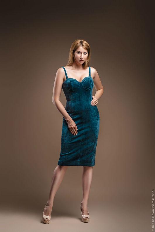 Платья ручной работы. Ярмарка Мастеров - ручная работа. Купить Бархатное платье из итальянского бархата. Handmade. Морская волна
