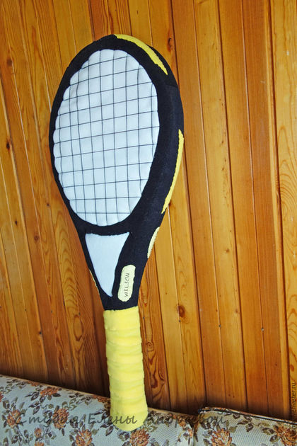 http://cs1.livemaster.ru/storage/98/cc/0bdec83001ef4df1e2fd76d4d107--dlya-doma-interera-podushka-tennisnaya-raketka.jpg