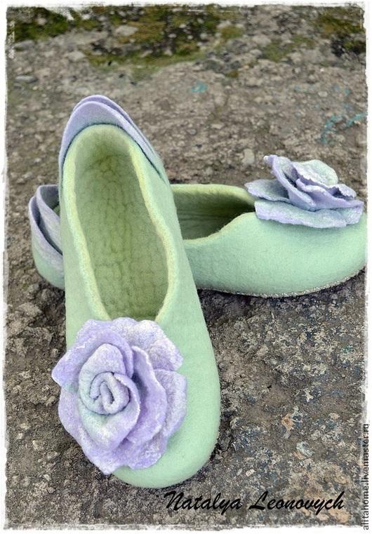 """Обувь ручной работы. Ярмарка Мастеров - ручная работа. Купить тапочки """" Delicacy"""". Handmade. Валяные тапочки, шерсть 100%"""