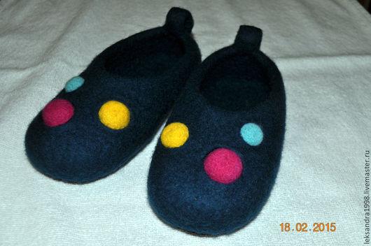 """Обувь ручной работы. Ярмарка Мастеров - ручная работа. Купить Детские валяные тапочки """"Пупырики"""". Handmade. Морская волна"""