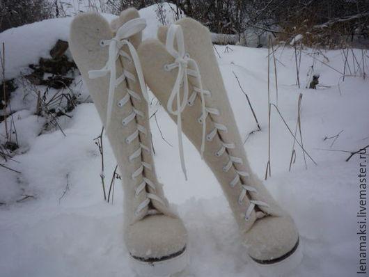 """Обувь ручной работы. Ярмарка Мастеров - ручная работа. Купить Ботинки валяные """"Ушки на макушке"""". Handmade. Белый, зимняя обувь"""