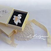 """Брошь-булавка ручной работы. Ярмарка Мастеров - ручная работа Брошь. Миниатюрная брошь """"Белый лебедь"""". Handmade."""