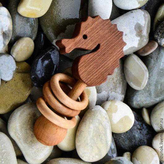 Развивающие игрушки ручной работы. Ярмарка Мастеров - ручная работа. Купить Деревянная игрушка Погремушка Морской Конёк. Handmade. Коричневый