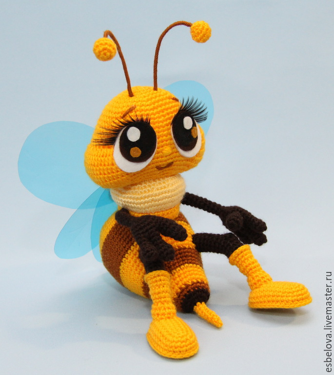 Вязанная пчелка крючком