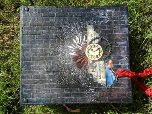 Фотоальбомы ручной работы. Ярмарка Мастеров - ручная работа. Купить Алиса в стране Чудес (все фото альбома по запросу). Handmade.