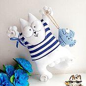 Мягкие игрушки ручной работы. Ярмарка Мастеров - ручная работа Кот Саймона в тельняшке с рыбкой. Handmade.