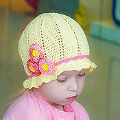 Работы для детей, ручной работы. Ярмарка Мастеров - ручная работа Шапочка Светло-желтая с маргаритками. Handmade.