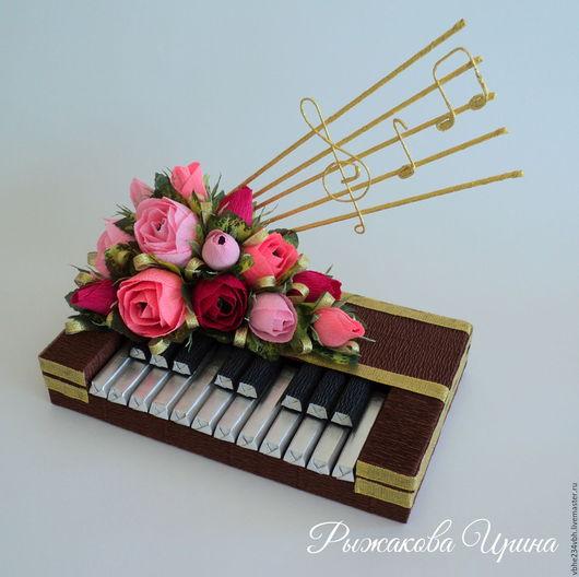 """Букеты ручной работы. Ярмарка Мастеров - ручная работа. Купить Букет из конфет """" Пианино"""". Handmade. Букет, шоколад"""