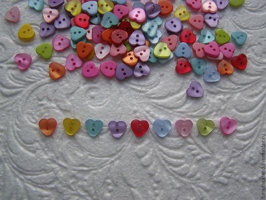 """Куклы и игрушки ручной работы. Ярмарка Мастеров - ручная работа. Купить Пуговицы """"Сердечки разноцветные"""".. Handmade. Пуговицы для игрушек, сердечки"""