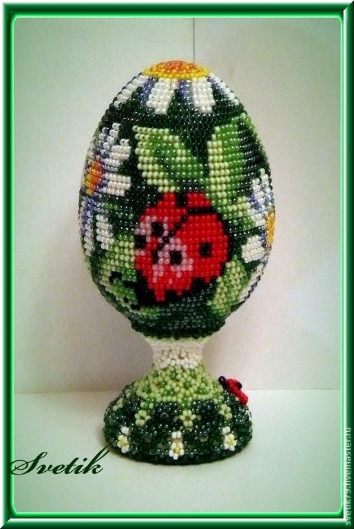 """Яйца ручной работы. Ярмарка Мастеров - ручная работа. Купить яйцо из бисера """"божьи коровки и ромашки"""". Handmade. Бисер"""
