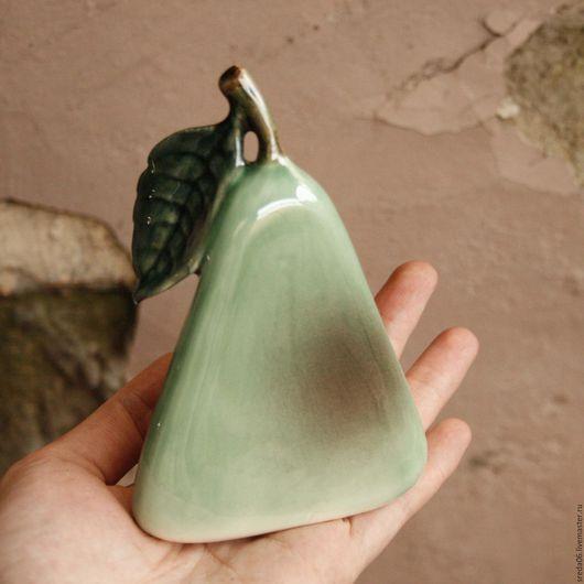 Статуэтки ручной работы. Ярмарка Мастеров - ручная работа. Купить Треугольная груша. Handmade. Желтый, фарфоровая груша