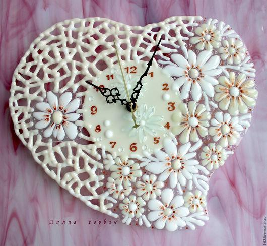Часы для дома ручной работы. Ярмарка Мастеров - ручная работа. Купить часы из стекла, фьюзинг  От чистого сердца. Handmade.