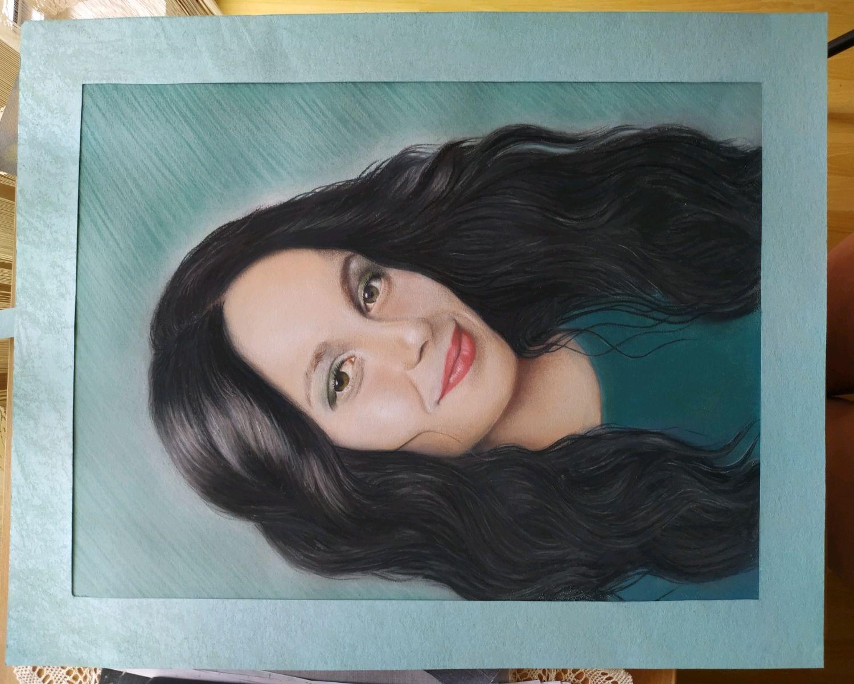 управляет закажу портрет по фото пастелью в украине собака укусит, она