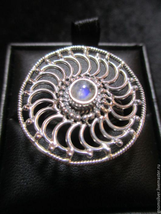 Кольца ручной работы. Ярмарка Мастеров - ручная работа. Купить Уникальное авторское кольцо с лунным камнем из Индии. Handmade. Серебряный