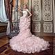 Роскошное церемониальное дизайнерское свадебное платье Genevieve Luxe с длинным шлейфом. Силуэт амфора. Авторские украшения из самоцветов,  драгоценного бисера, Swarovski и фианитов.
