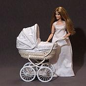 Мебель для кукол ручной работы. Ярмарка Мастеров - ручная работа Белая коляска для мини реборна до 12 см, 1:6. Handmade.