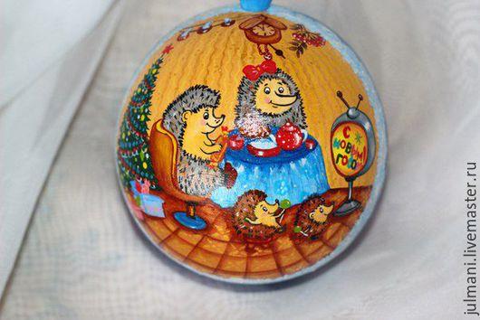 """Новый год 2017 ручной работы. Ярмарка Мастеров - ручная работа. Купить Елочный шар """"Новый год к нам мчится..."""", ручная роспись. Handmade."""