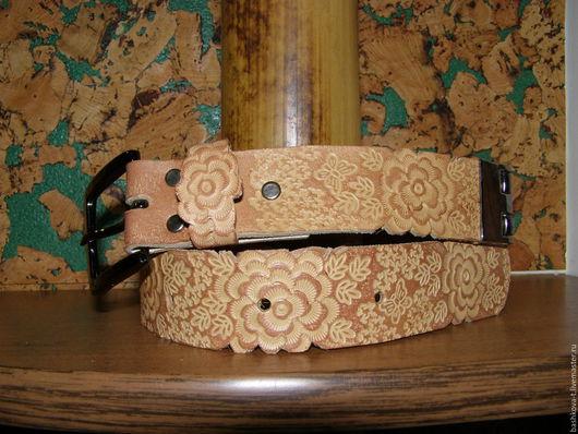 Пояса, ремни ручной работы. Ярмарка Мастеров - ручная работа. Купить Женский кожаный ремень с розами.. Handmade. Рыжий