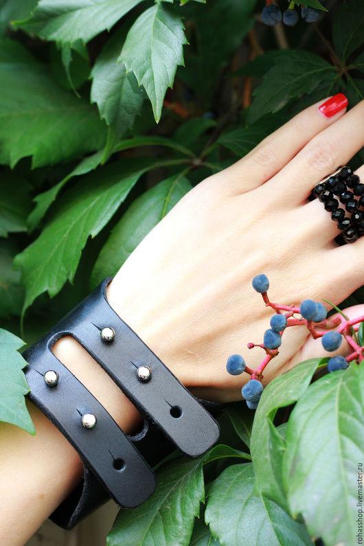 R00102 Браслет из натуральной, плотной кожи. Украшение Unisex. Стильный браслет из кожи. Черный кожаный браслет. Уникальный подарок.Дизайнерские украшения из натуральной кожи.