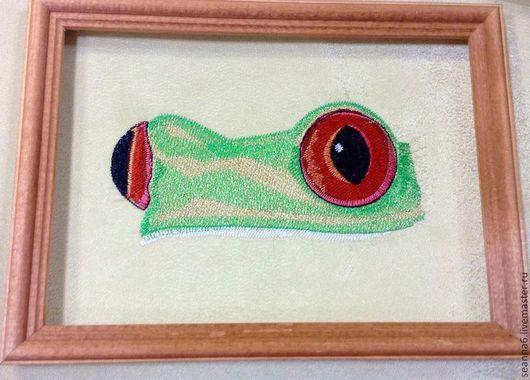 """Фэнтези ручной работы. Ярмарка Мастеров - ручная работа. Купить Картина вышитая, картинка, панно """"Глаза древесной лягушки"""". Handmade."""