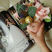 Цветы и флористика ручной работы. Ярмарка Мастеров - ручная работа 8 марта букет из конфет, на свадьбу, подарок учителю, начальнице. Handmade.